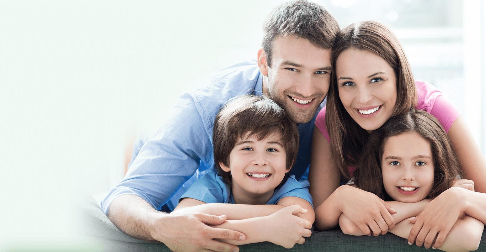 zdjęcie szczęśliwej rodziny jako tło slajdu